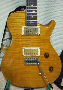 自分の使っている機材、楽器、protoolsなどについてのページ